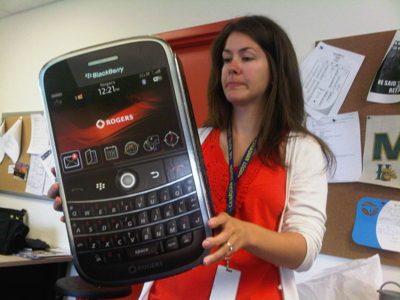 GIANT BBERRY BOLD